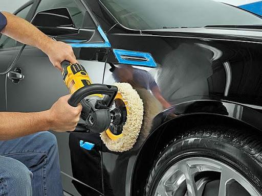 Rimuovere piccoli danni difetti carrozzeria con lucidatura